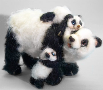 Hugs Panda with Two Cubs