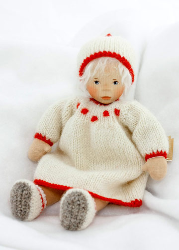 Girl In Cream With Red Trim, Cloth Body L353