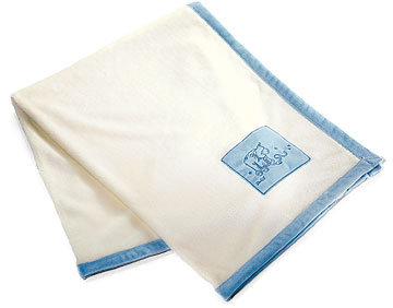 Cream And Blue Cuddly Blanket EAN 238840