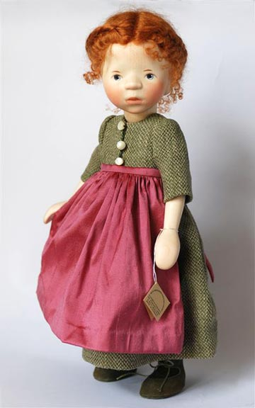 Red Head in Wool Dress With Apron H311