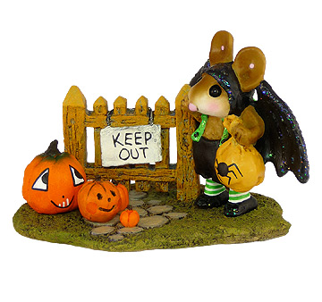 Little Halloween Bat With Pumpkins M-345