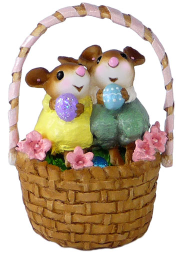 Cozy Easter Couple M-523