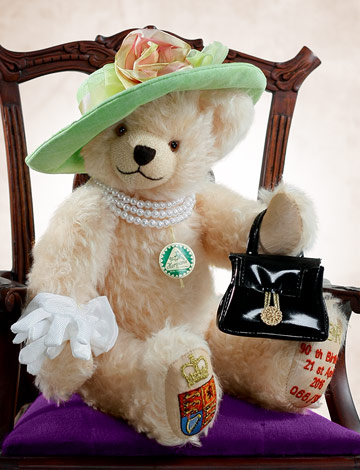 Queen Elizabeth 90th Birthday Bear 13186-9