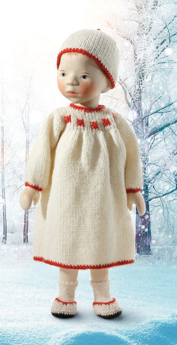 Girl In Cream With Red Trim H353
