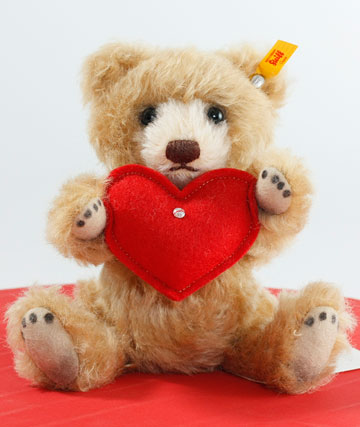Teddy Bear With Heart EAN 040122