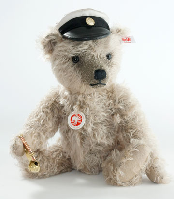 Captain Keith Teddy Bear EAN 006333 by Steiff