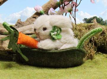 Hopsi Miniature Bunny In Basket 22128-7