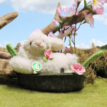 Molli Miniature Easter Lamb In Basket 22129-4