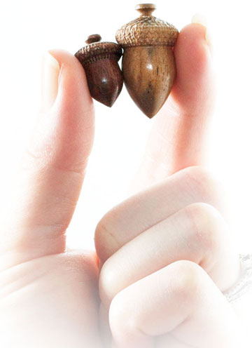 Wood Hand-Crafted Acorns, Pack Of 10