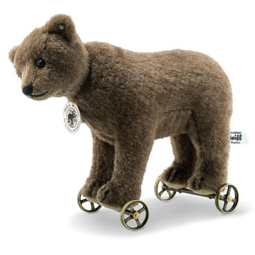 1904 Replica Bear On Wheels 403354