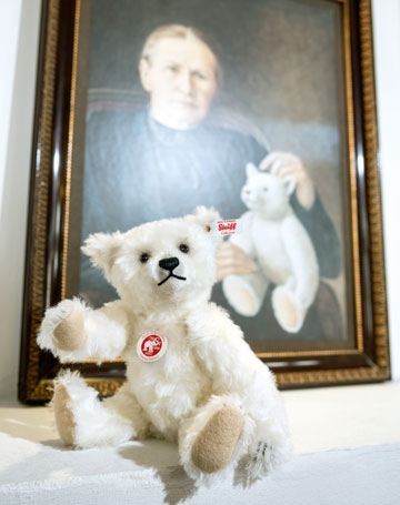 Margarete Memorial Teddy Bear EAN 006821