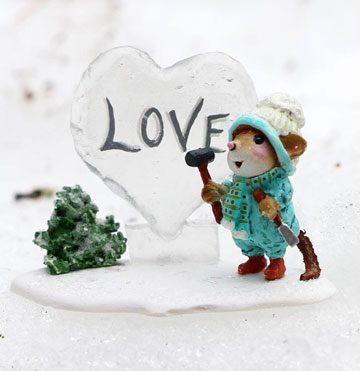 Ice Love Sculpture M-418d