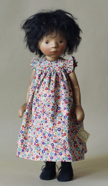 African American Girl In Colorful Floral Print H364e