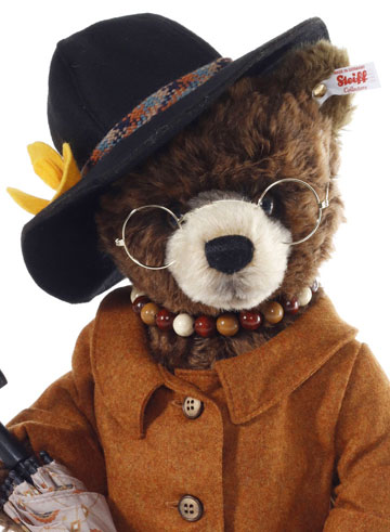 Aunt Lucy From Paddington EAN 690778 by Steiff