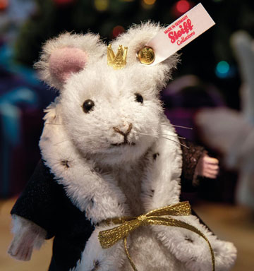 Mouse King Ornament, The Nutcracker EAN 006883 by Steiff