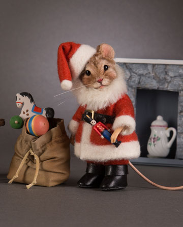 Santa Claus Mouse by R. John Wright