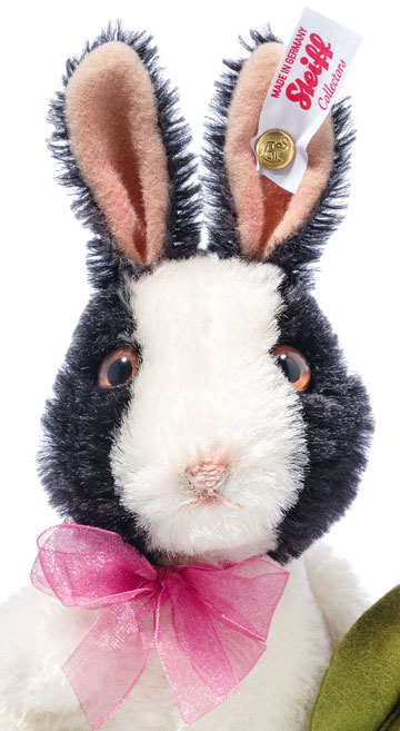 Pepper Springtime Rabbit EAN 683732 by Steiff