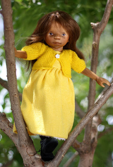 January 2010 Girl In Yellow H297E by Elisabeth Pongratz