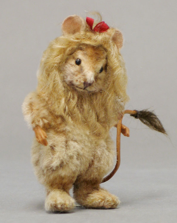 Cowardly Lion Mouse by R. John Wright