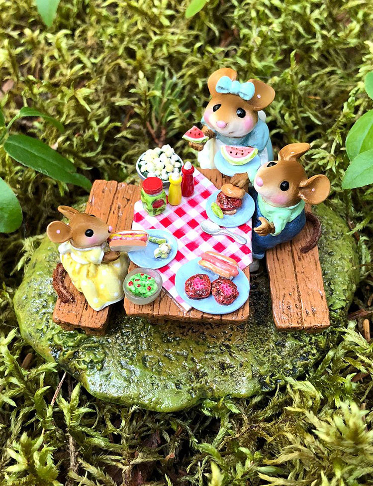 Family Picnic M-438b by Wee Forest Folk