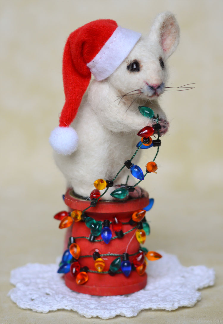 White Holiday Lights Mouse by Stevi T's Alpaca Encounters