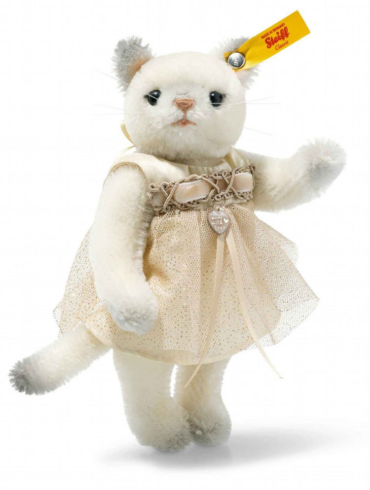 Vintage Memories Korinna Kitten In Gift Box EAN 026737 by Steiff